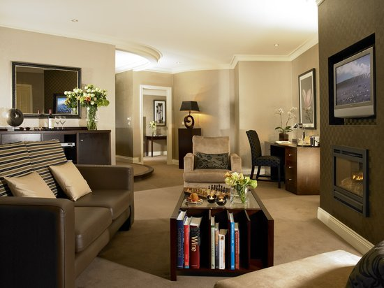 The Killarney Park Hotel: Large Junior Suite - Contemporary Style