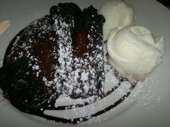 Papa Joe's: Chocolate cake
