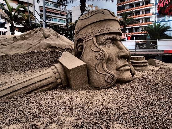 Playa de Las Canteras: A sand sculpture at Las Canteras.