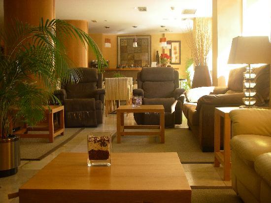 Hotel Sercotel Zurbaran: salone e bar