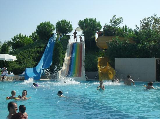 Asteria Elita Resort: les toboggans!