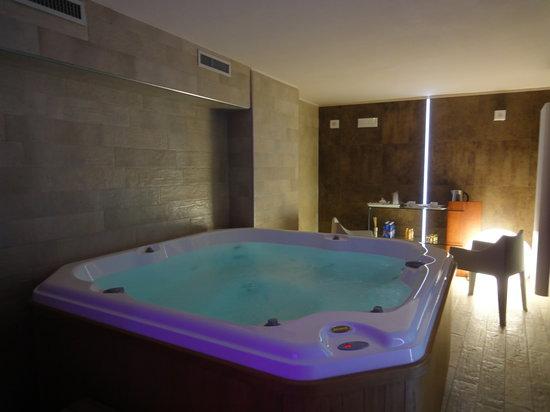Hotel Palazzo dei Mercanti: vasca idromassaggio