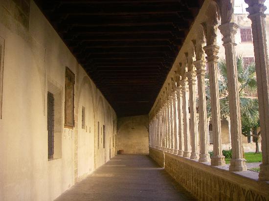 Basilica de Sant Francesc : particolare del cortile