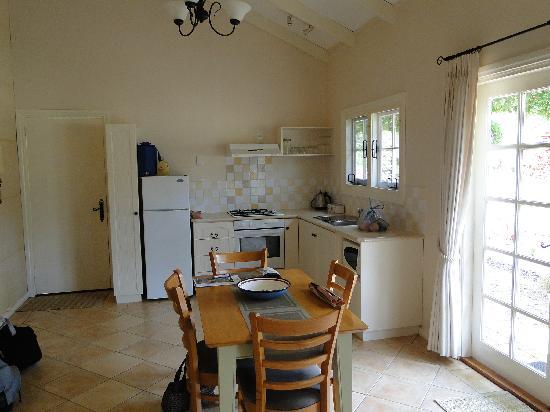 Big Brook Cottages: Lodge inside
