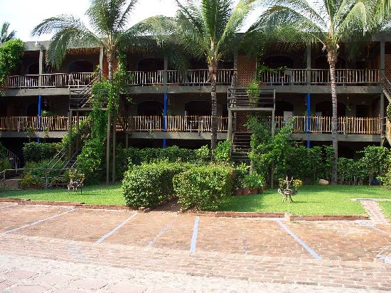 Cocina exterior bungalow picture of las cabanas del - Cocina exterior ...