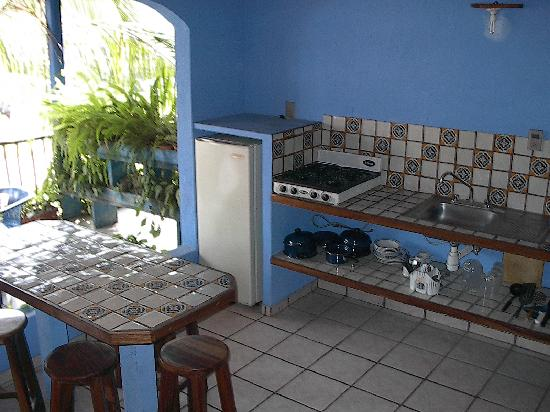 Las Cabanas del Capitan: Cocina exterior bungalow