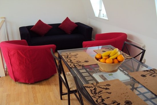 Central London Serviced Aparthotel : Communal Lounge and Dinning Area