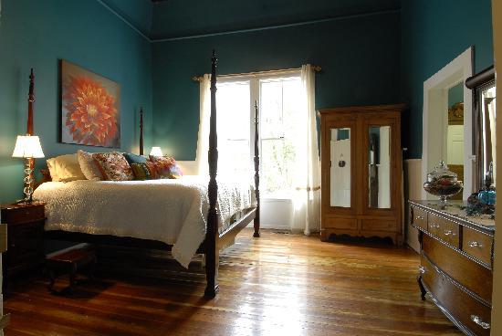 Sweet Gum Bottom Bed & Breakfast: Laura Leigh Suite