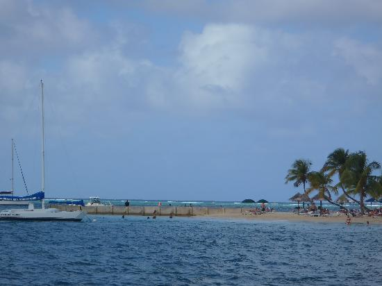 King Christian Hotel : The island with the beach is very close!