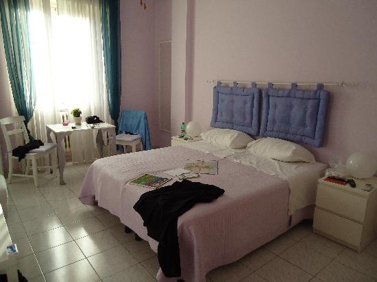 Bed and Breakfast - Interno 9: Camera Monet (lilla)