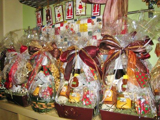 San Benito Bene: Customized and Creative Baskets