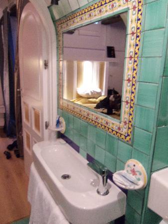 Albergo del Centro Storico: bathroom sink