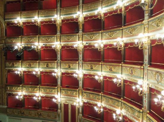 Albergo del Centro Storico: Tetro Giuseppe Verdi