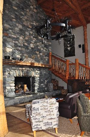 فيوريدلاند لودج: Fireplace