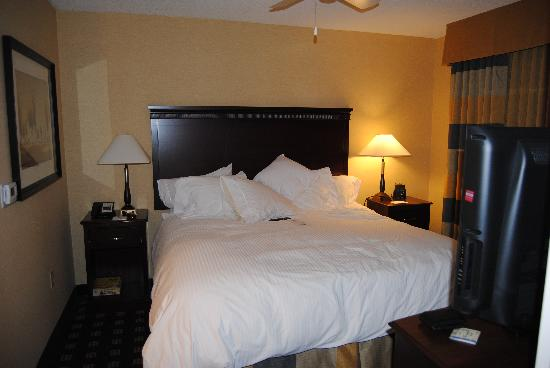 Homewood Suites by Hilton Toronto Airport Corporate Centre: Bedroom