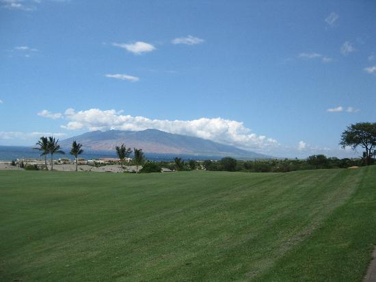 Wailea Old Blue Course: Lanai from #4 fairway