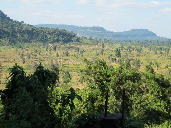 Siem Reap Province, Kamboja: Scenery on the way up