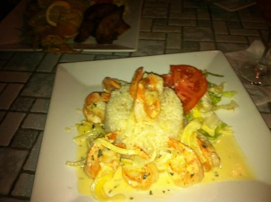 Mi Terraza: shrimp in garlic sauce