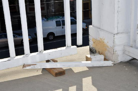 St. Vincent's Guest House: Rotten and missing guard rails 25 feet over pavement