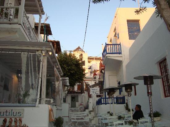 Greece: Es el típico pueblito en las islas Griegas, todos son muy hermosos