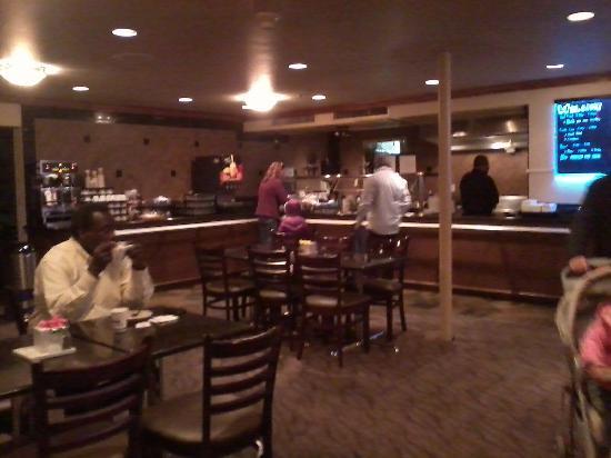 Oxford Suites Portland - Jantzen Beach: Salón Comedor