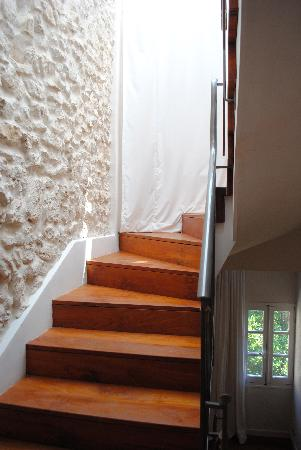 La Maison d'Aix: Staircase