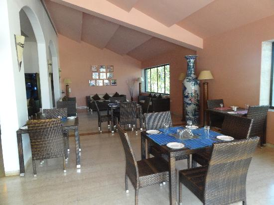 10 Calangute: Dinning Area