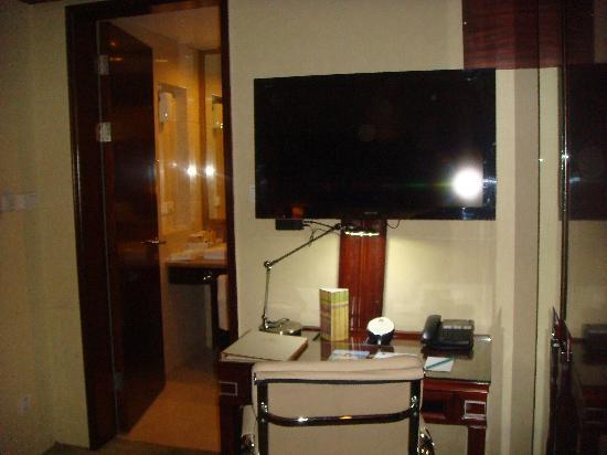 Best Western Skycity Hotel: Room