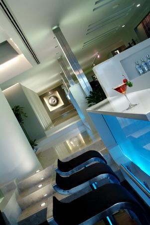 BelAire Bangkok: Liquid Lounge