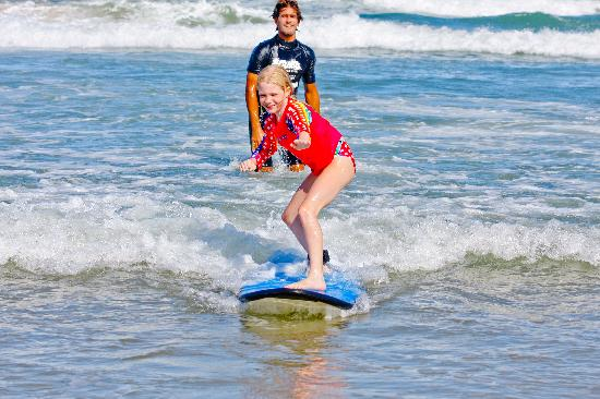 Coolum Surfing School: Catching a wave