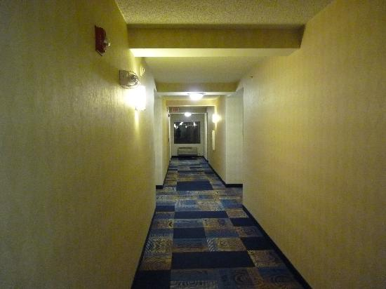 Red Roof Inn Tucson North - Marana: Main hallway