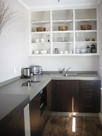 Airlie House : Kitchen in the Studio