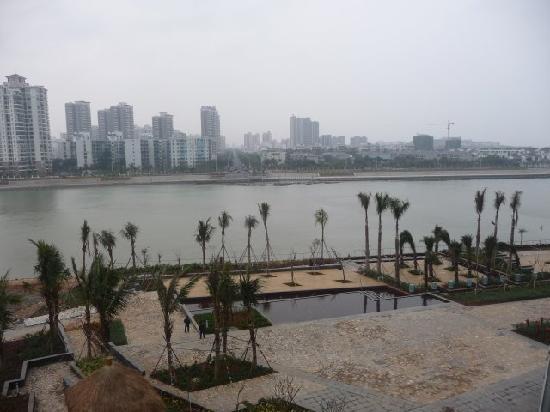 Howard Johnson New Port Resort Haikou : View from Balcony