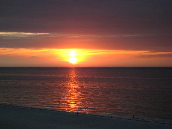 Clearwater Beach: Sunsets are free!