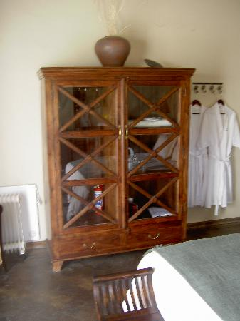 Rosendal Winery & Wellness Retreat: Everything you could possibly need is in this nice cupboard