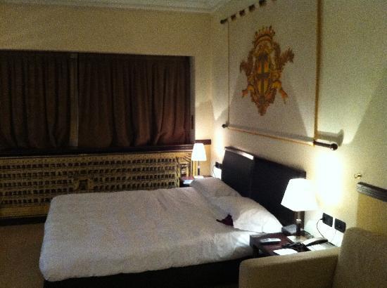 NH Milano Grand Hotel Verdi: Le Lit