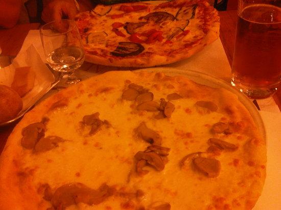 Pizzeria Calafuria: pizza
