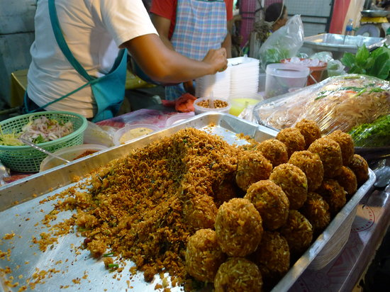 Phuket By, Thailand: The rice balls (crushed and turned into a cold rice dish)