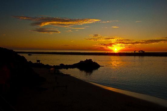 Ramada Ontario: Southern California Sunset