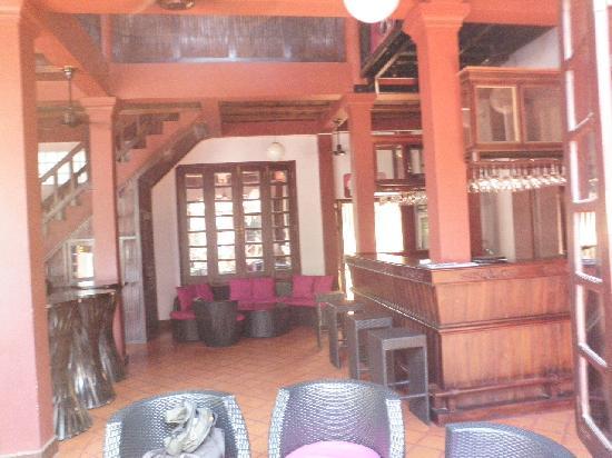 S Bar & Restaurant: Sbar Luang Prabong