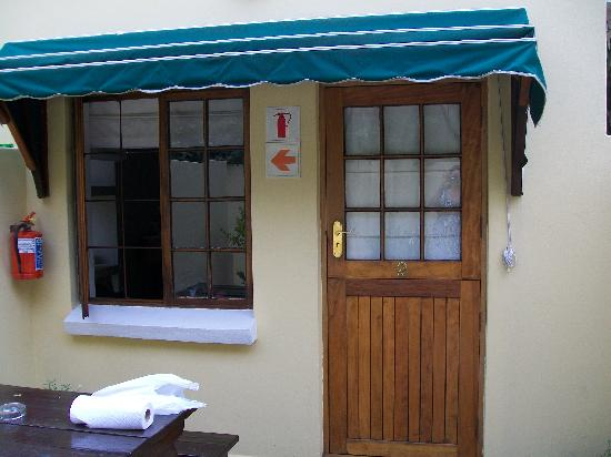 Algoa Guest House : Our room with private patio