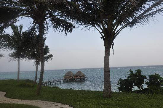 Melia Zanzibar: Beach and Jetty