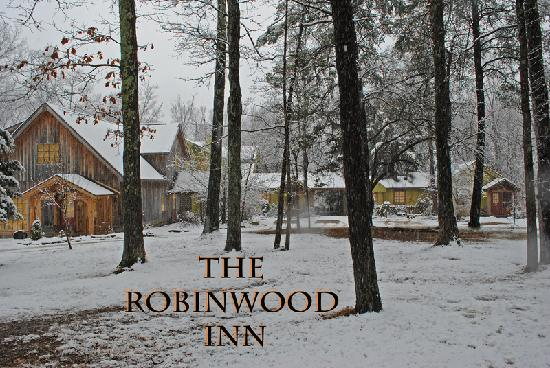Robinwood Inn: The first snow of 2012