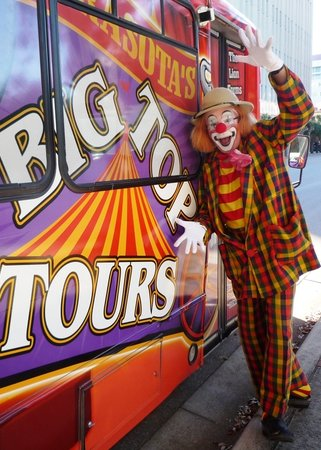 Big Top Tours : Toby Ballantine, life-long circus performer and host for your Big Top Tour
