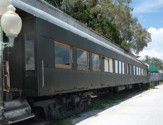 Big Top Tours : Visit an actual 4-car circus train on your Big Top Tour