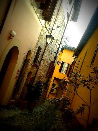 Hotel Charleston: Vicoletto dove affaccia la finestra della mia camera