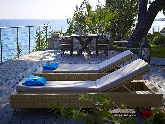 Paradisso Beach Villas: On deck