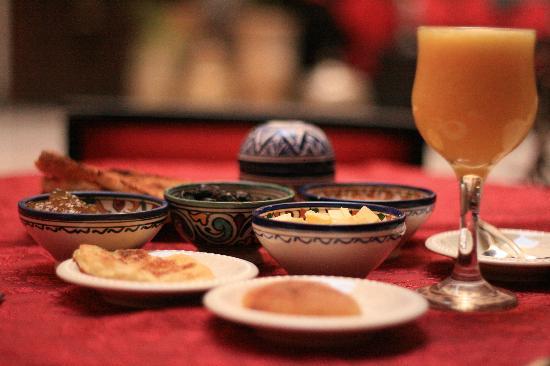 Riad Ibn Battouta: Morrocan bfast