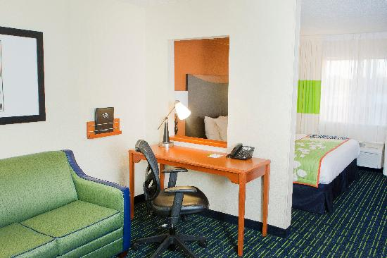 Fairfield Inn & Suites Champaign: Unwind at the end of the day in our spacious guest rooms