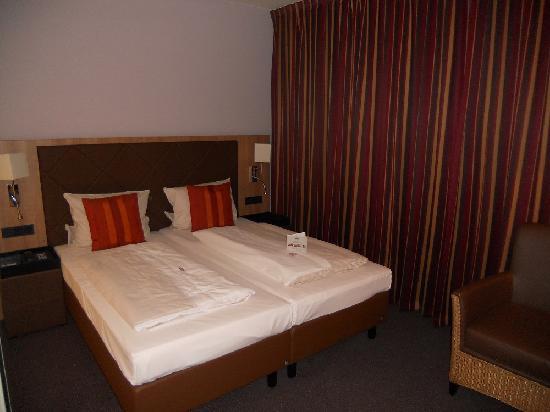 ACHAT Premium Munchen-Sud: bed